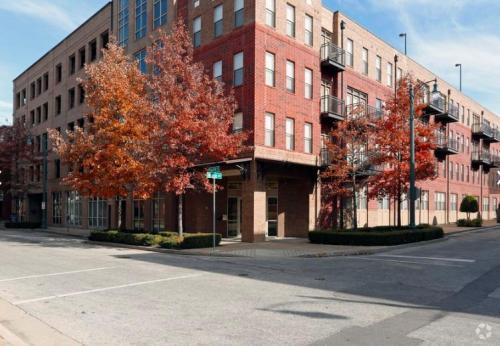 Fielder Square Photo 1
