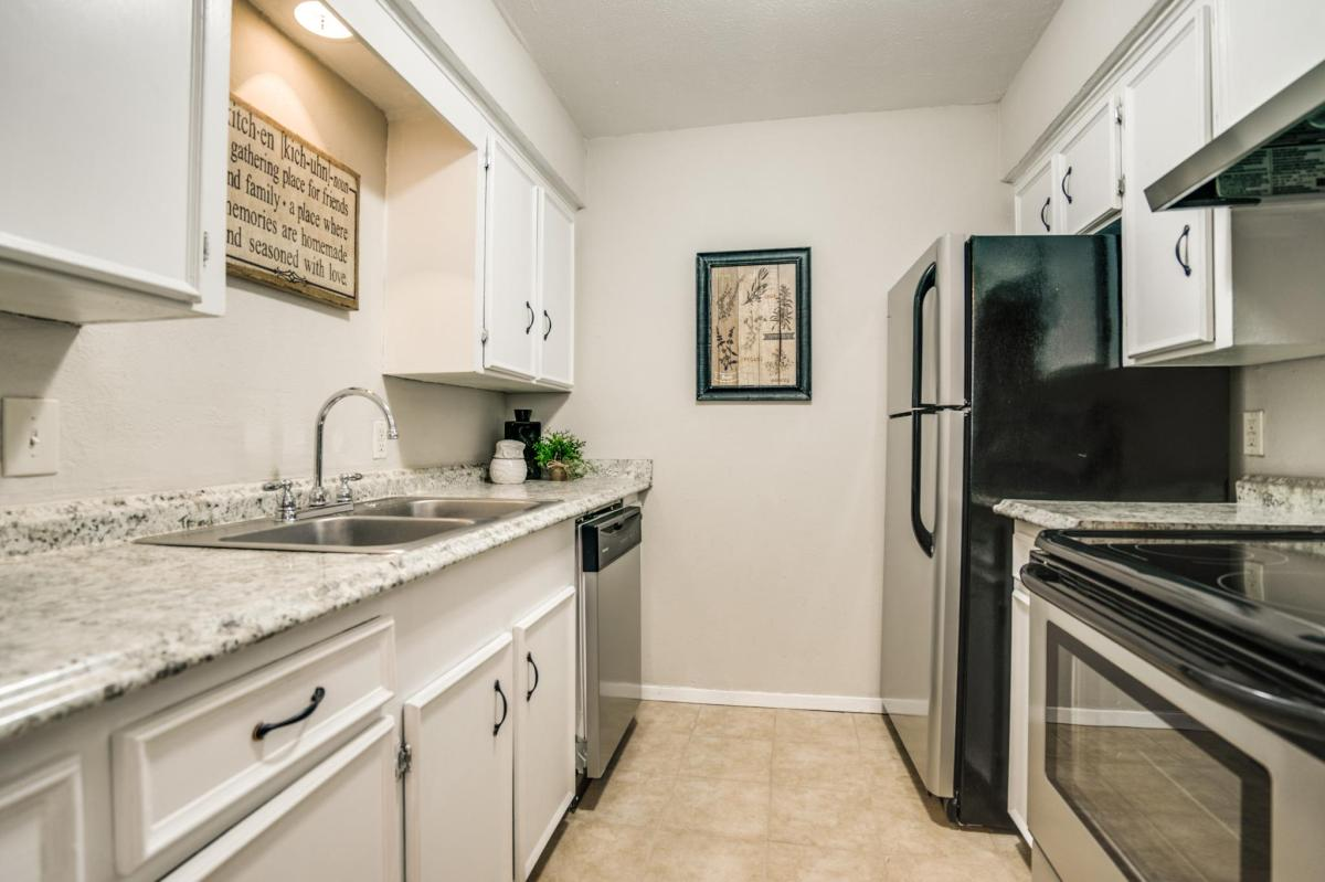 5656 Live Oak Apartments Dallas Tx From 825mo Hotpads