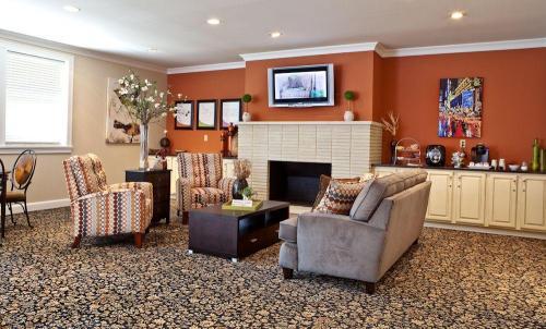 Trilogy Apartments Photo 1