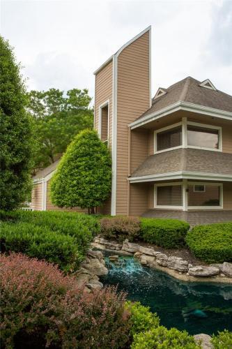 Timberlake Village Apartments Photo 1