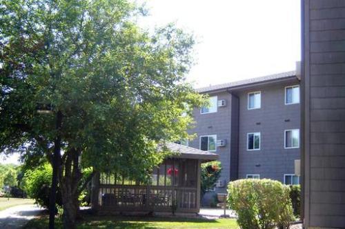 Beadle West Apartments Photo 1