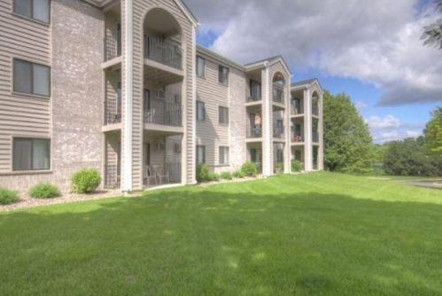 Plymouth Ponds Apartments Photo 1