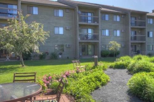 Maple Ridge Apartment Homes Photo 1