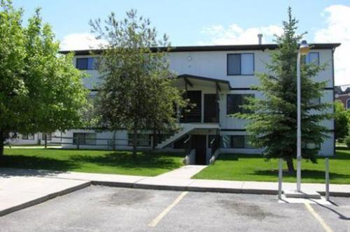Almanor Apartments Photo 1