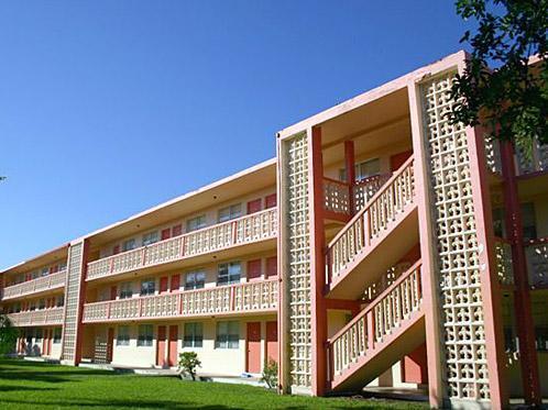 Palm Gardens Apartments Photo 1