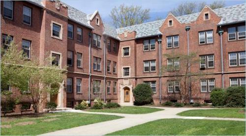 Mayfair Apartments 835 Photo 1