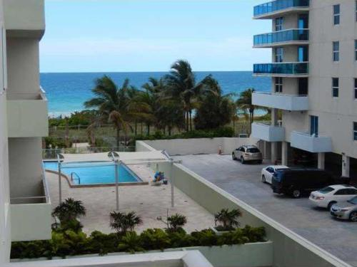 9225 Collins Ave #412 Photo 1