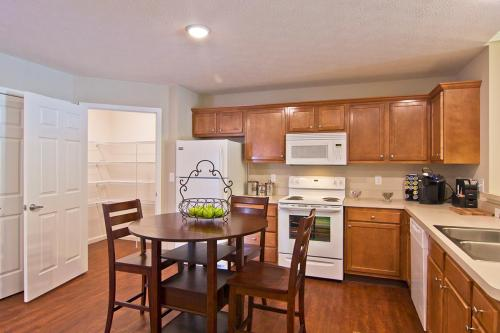 Atrium Village by Redwood Photo 1
