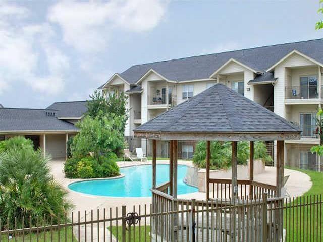 Amberton Garden Apartments - San Antonio, TX | HotPads