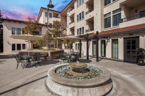 Merrill Gardens at Willow Glen - Senior Living Community Photo 1