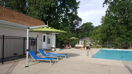 Wood Creek Apartments Photo 1