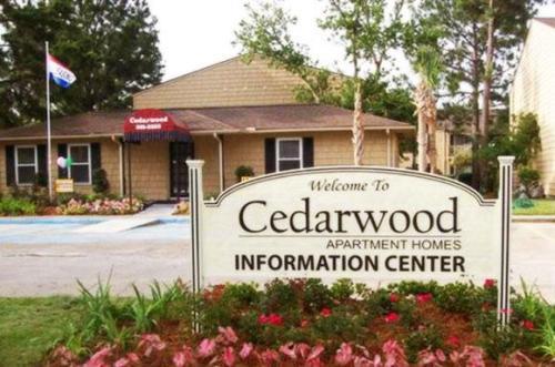 Cedarwood Apartments Photo 1