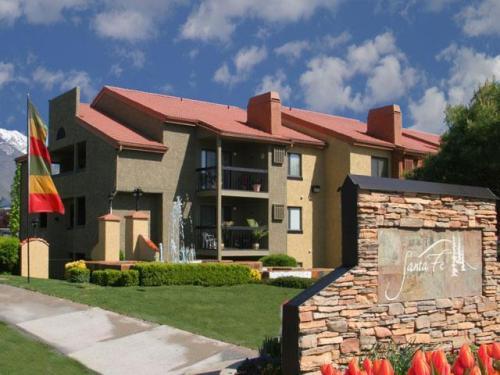 Santa Fe Apartments Photo 1
