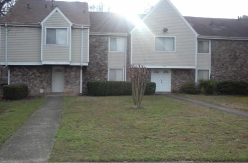 Dogwood Apartments Photo 1
