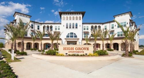 The High Grove Photo 1