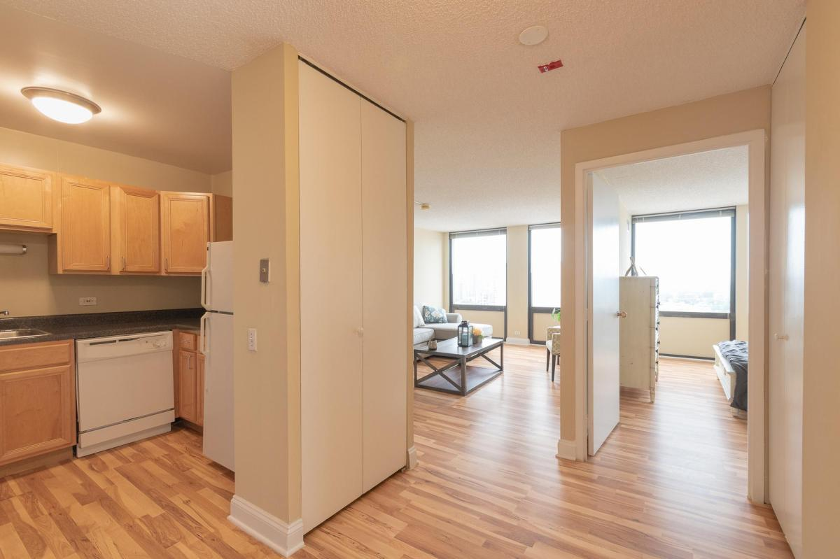 Lincoln Park Plaza Apartments Chicago Il From 1 455 Per Month Hotpads
