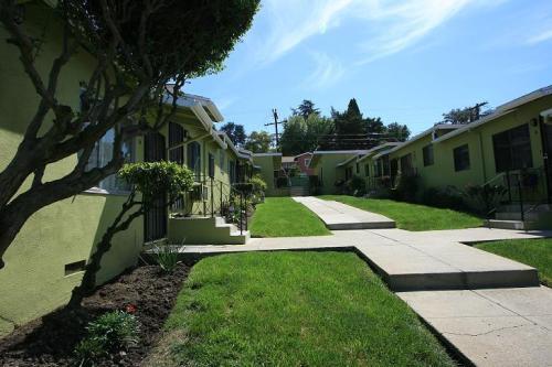 4810 Lincoln Ave E Photo 1