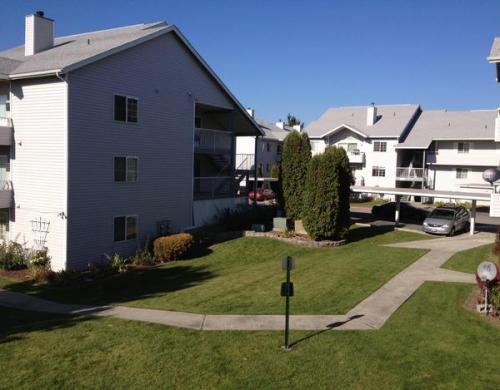 Willowbrook Apartments Photo 1