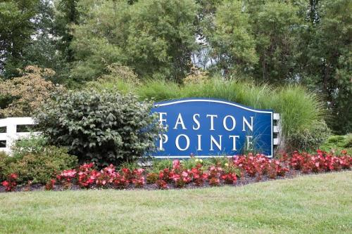 Easton Pointe Apartments Photo 1