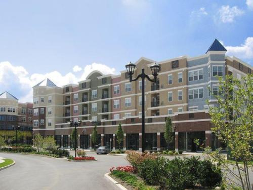 Foster Square Apartments Photo 1