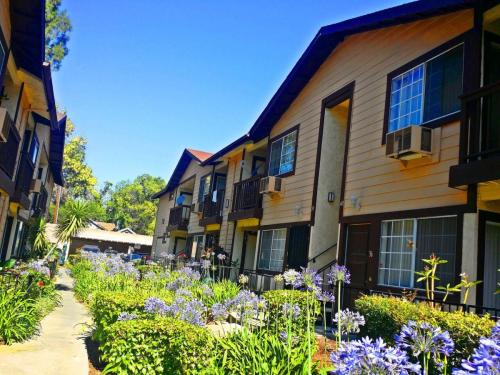 Woodside Senior Apartments (55+) Photo 1
