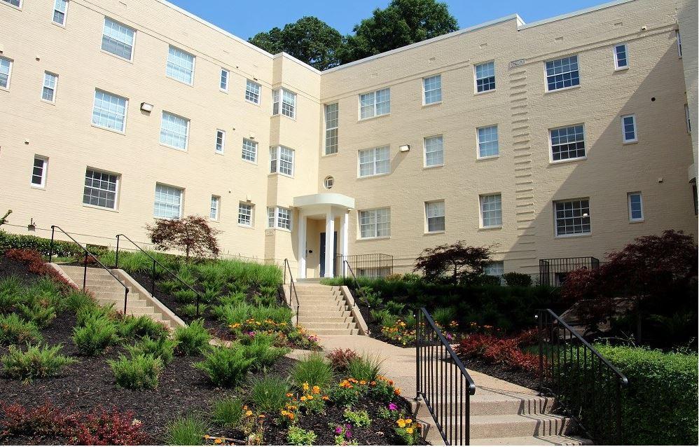 Woodbury Park Apartments At Courthouse At 2306 11th Street N, Arlington, VA  22201 | HotPads