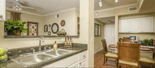 Broadwater Luxury Apartment Homes Photo 1