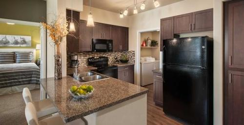 Highland Groves Luxury Apartments Photo 1