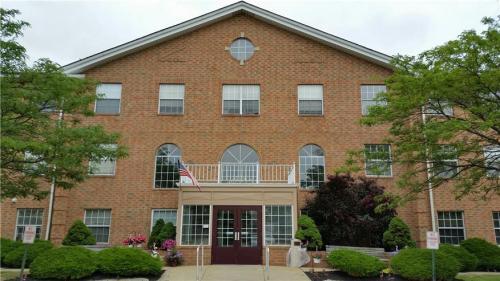 Gateway Manor - Senior Community 55+ Photo 1