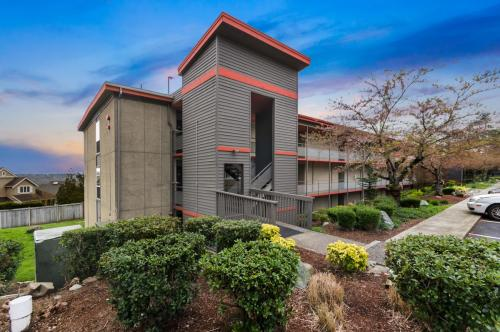 Aviator Apartments Photo 1