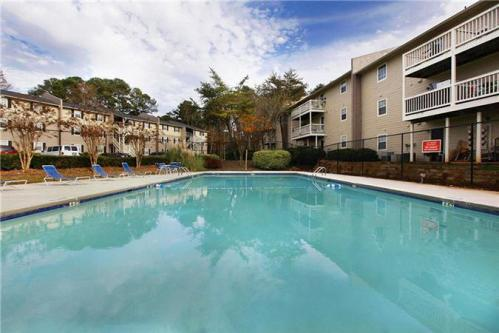 KRC Vista - Spacious 2BR in the Heart of Decatur! Photo 1