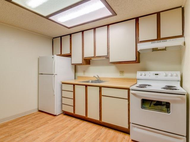 Essex Square Apartments At 4712 W Fairfield Drive Pensacola Fl 32506 Hotpads