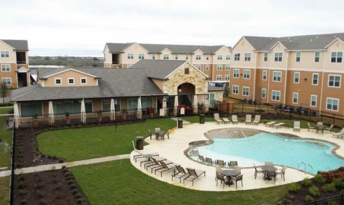 Oak Tree Apartments Photo 1