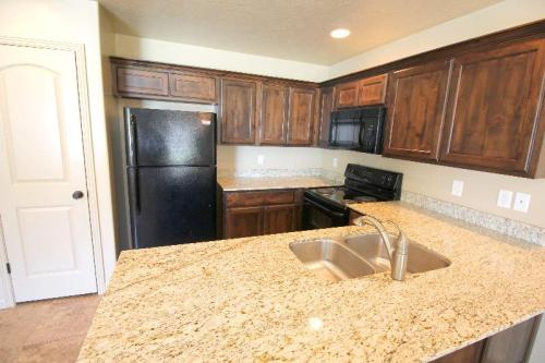 Angel's Landing Townhomes Photo 1