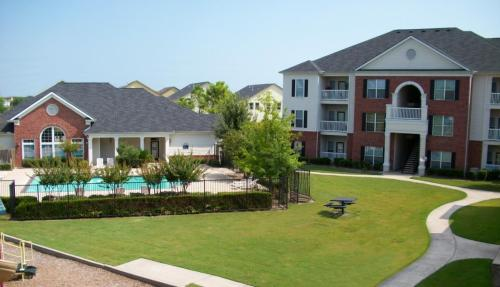 City Parc at West Oaks Apartments Photo 1