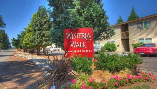 Wisteria Walk Photo 1