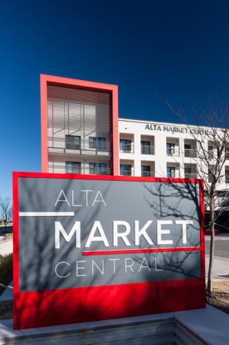 Alta Market Central Photo 1