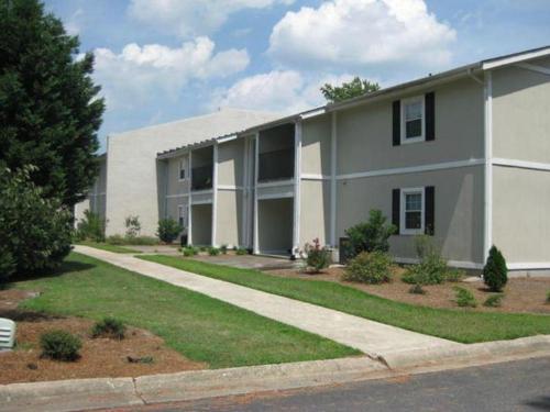 Woodard & Company Real Estate Photo 1