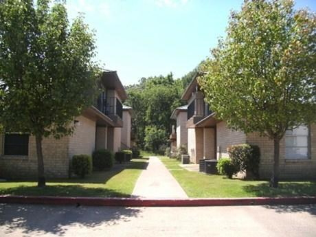 Athens Townhomes Apartments Photo 1