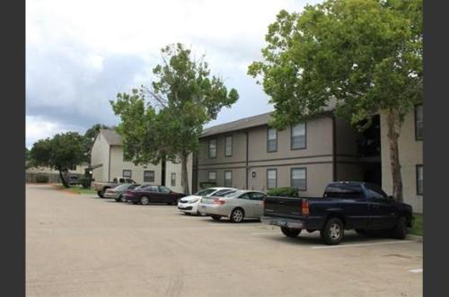 Mosswood Apartments Photo 1