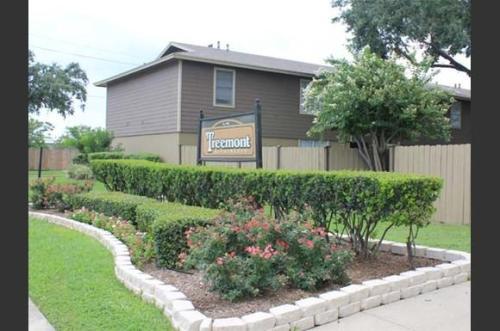 Treemont Apartments Photo 1