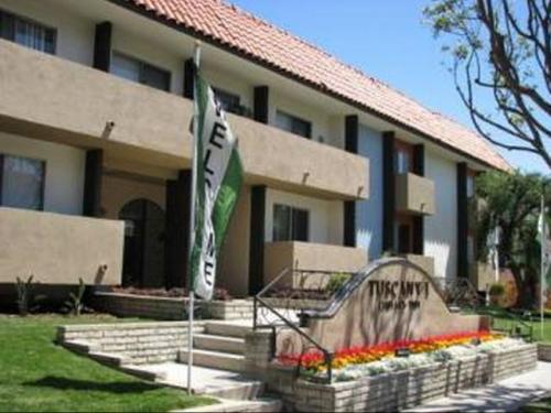 Tuscany Villas North and South Apartments Photo 1