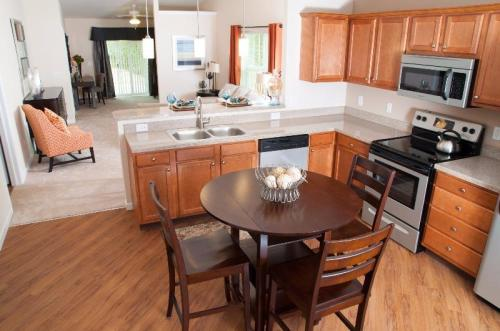 Williamsburg Village by Redwood Photo 1