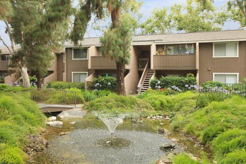 Orange Creek Apartment Homes Photo 1