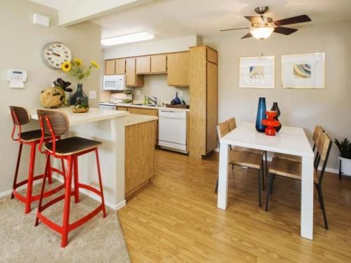 La Vista Apartments Photo 1