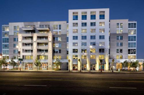 Avant South Park Apartments Photo 1