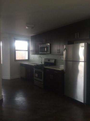 Gorgeous Huge renovated 1br Photo 1