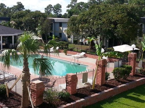 Biloxi Shores Apartment Homes Photo 1