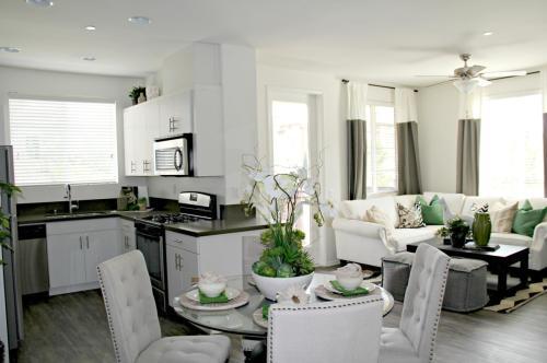 Paloma Apartment Homes Photo 1