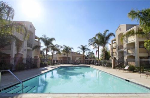 La Pacifica Apartments Photo 1